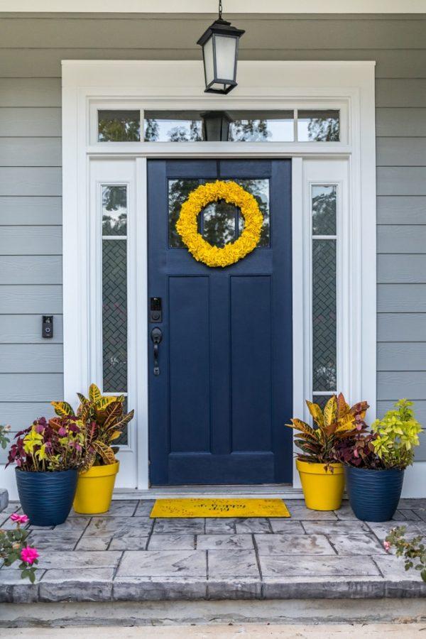 Exterior Door Yellow Wreath Image 4