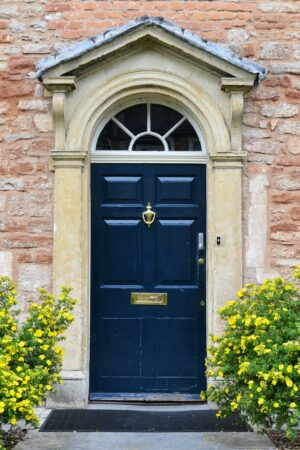 Front,Door,Of,Beautiful,Old,English,Town,House